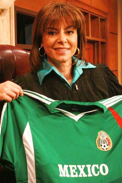 La jueza Pereyra se unió a la pasión futbolera.