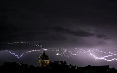 Lluvias y alertas de tornados en el estado del tiempo con Jackie Guerrido