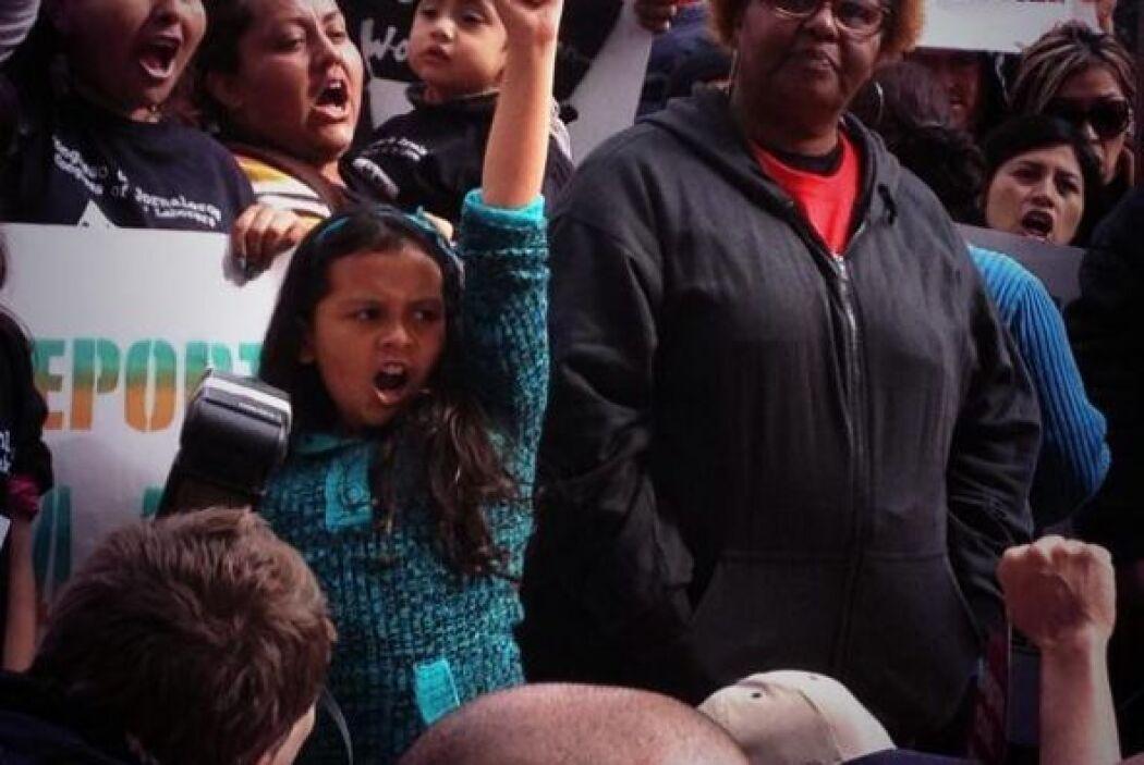 Los niños y jóvenes son hijos de padres afectados por las deportaciones....