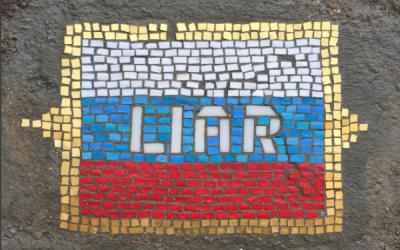 """Jim Bachor llamó a su obra """"Liar"""" o """"Mentiroso"""""""