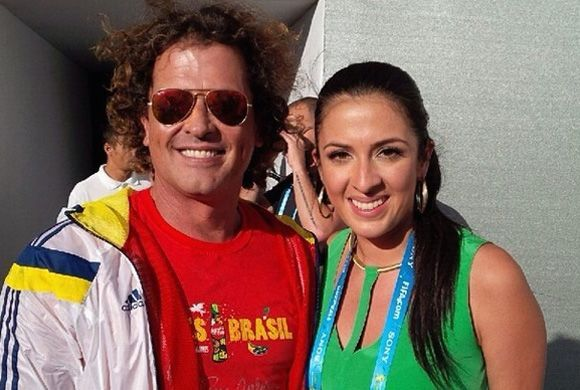 ¡Viva Colombia! Maity entrevistando a Carlos Vives.