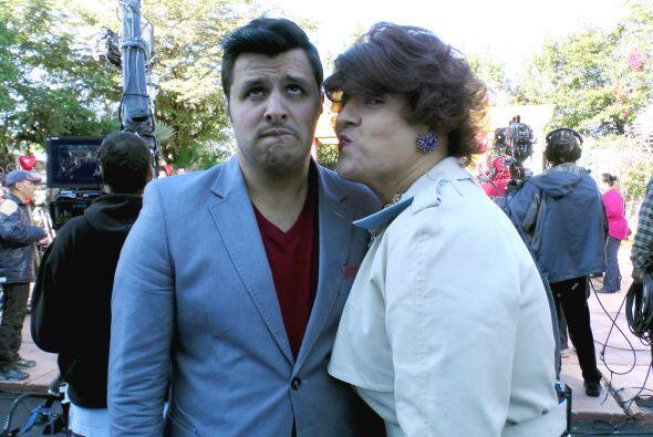Doña Meche andaba en busca de galán y Paul es uno de sus candidatos. ¿Le...