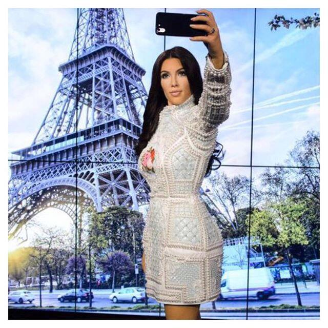 Kim selfie