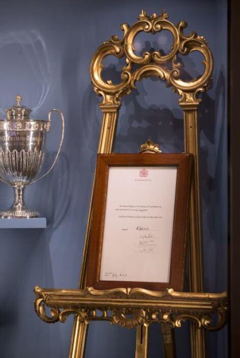 El periodo de exposición abarca desde Jorge IV al príncipe Jorge de Camb...