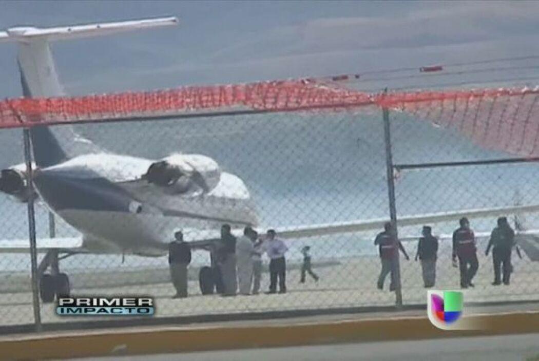 Ocho personas, tres de ellas niños, murieron el jueves cuando una avione...