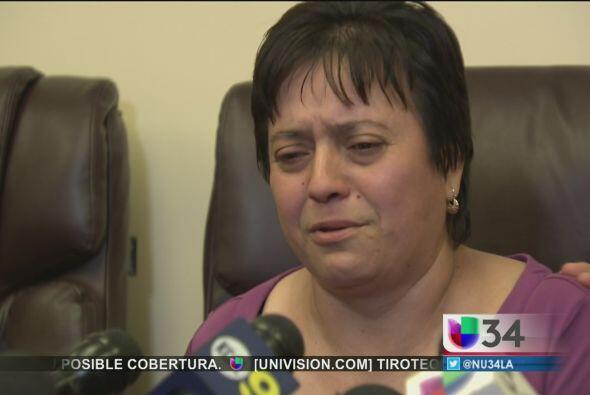 Claudia Herrera, la madre del joven, explicó entre lágrima...