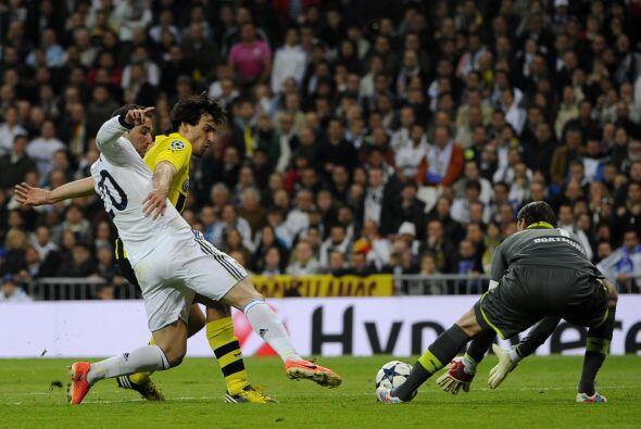 El Dortmund empezó a jugar más calmado y por si fuera poco pudo irse al...