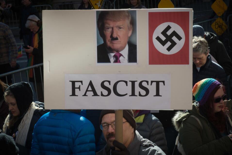 """Trump acusa a las cortes de estar """"politizadas"""" mientras se espera el fa..."""