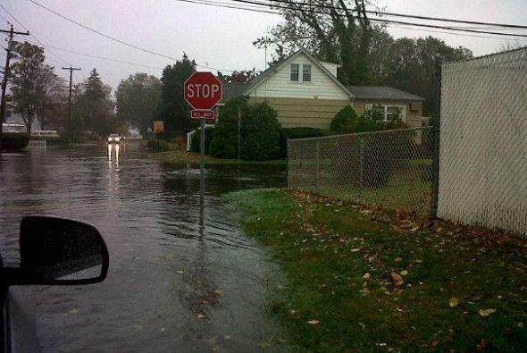 Inundación en Long Island por 'Tu Cámara'  Evelin0618 nos...