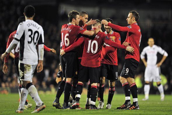 Antes de que terminara el primer tiempo, el United amplió su vent...