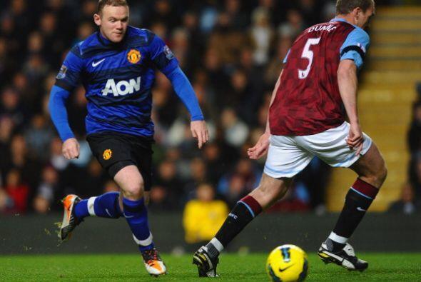 Wayne Rooney fue, una vez más, la manija del equipo.