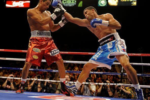 El duelo resultó de mucha movilidad por parte de ambos boxeadores que de...