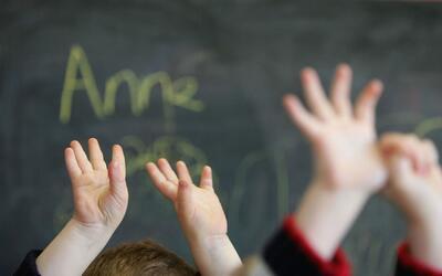 Escuelas Públicas de Chicago expanden tutoría para alumnos cuya lengua m...