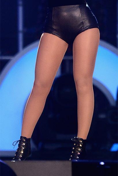 Otra de las cantantes más hermosas y populares del momento, que l...