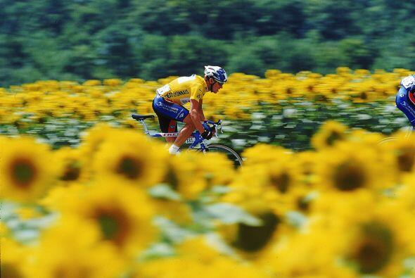 En 1999 comenzó el reinado de Lance Armstrong. Al principio todo eran fl...