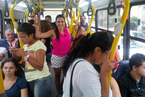 Maity Interiano salió a probar los medios de transportes que más se está...