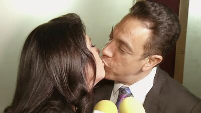Victoria Ruffo agarró a besos a su marido para callar rumores