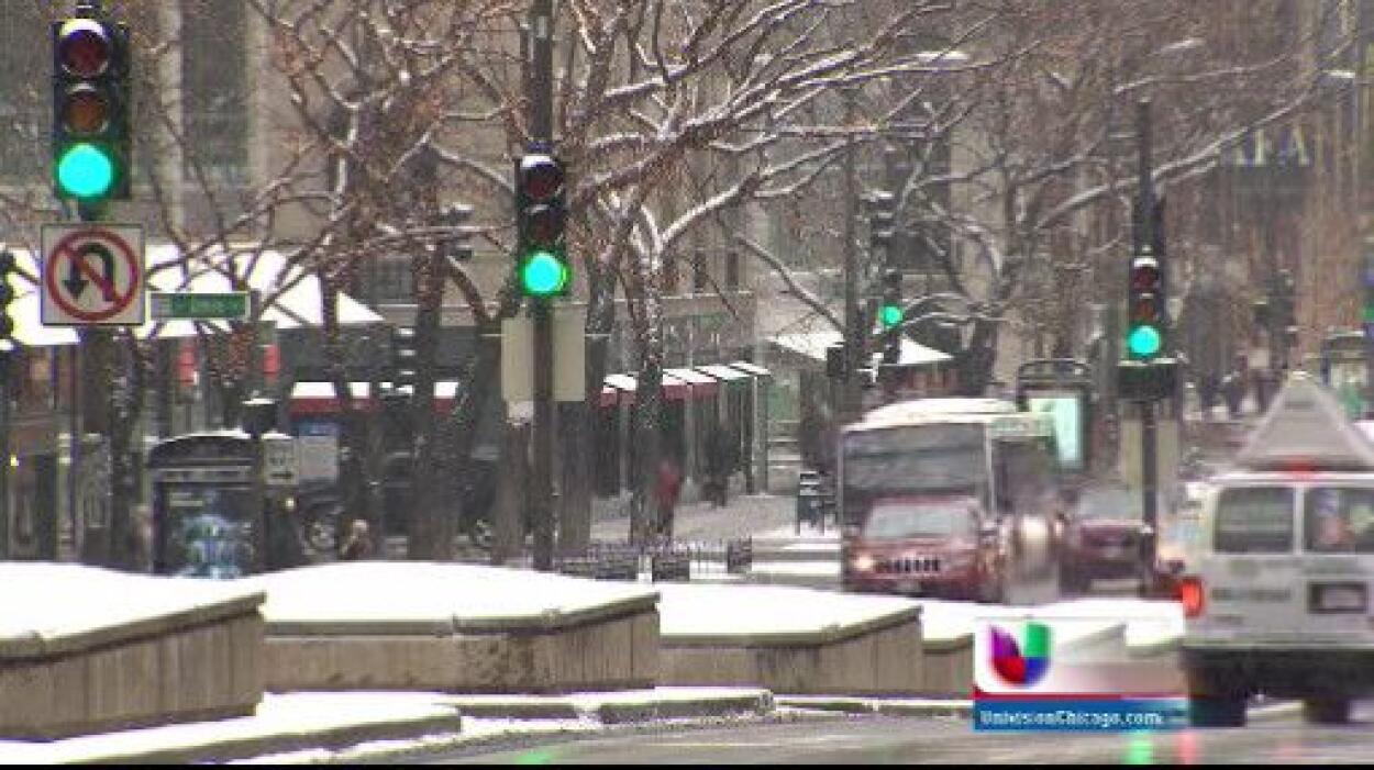 La ciudad de Chicago comienza a recuperarse de una semana con temperatur...