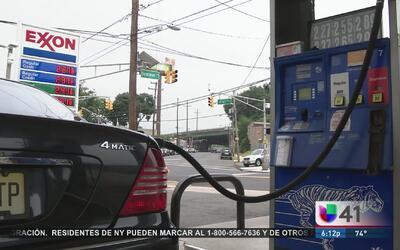 Aumentan 23 centavos a la gasolina para arreglar carreteras