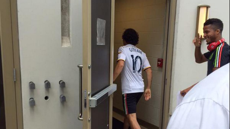 Andrés Guardado viste la camiseta del LA Galaxy de Giovani