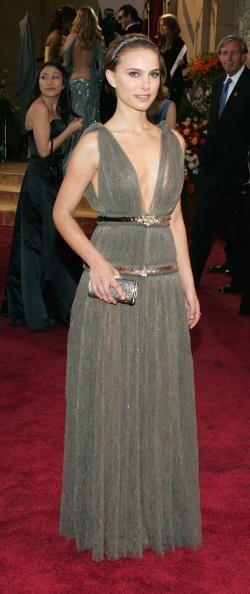 Este Lanvin de corte griego que Natalie Portman llevó en 2005 dejó boqui...