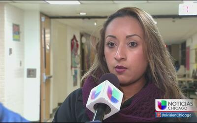 Padres de familia protestan por malas condiciones de escuela en Waukegan