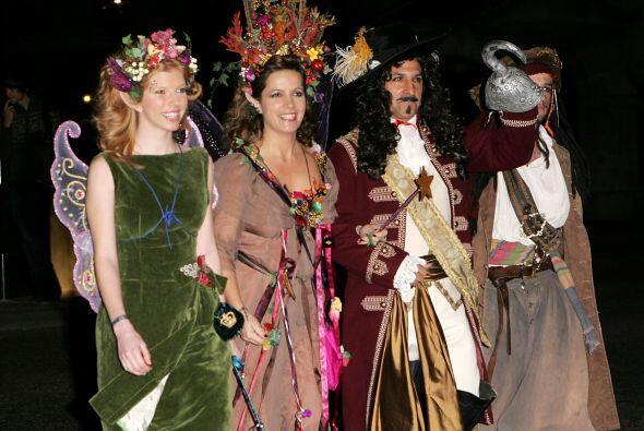Este es un ejemplo de una boda temática de disfraces varios, en el que e...