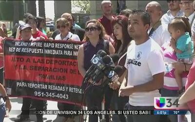 Activistas ofrecen auxilio a niños de la frontera