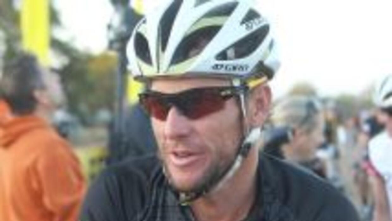 Armstrong terminó por admitir que consumió sustancias dopantes para mejo...