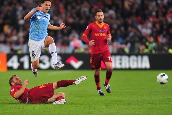 Esta vez el jugador de la Lazio fue clave en el 'derby' de la capital it...