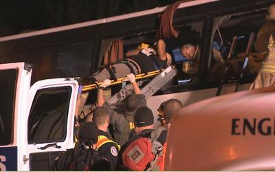 Accidente de autobús en el norte de California deja cinco muertos