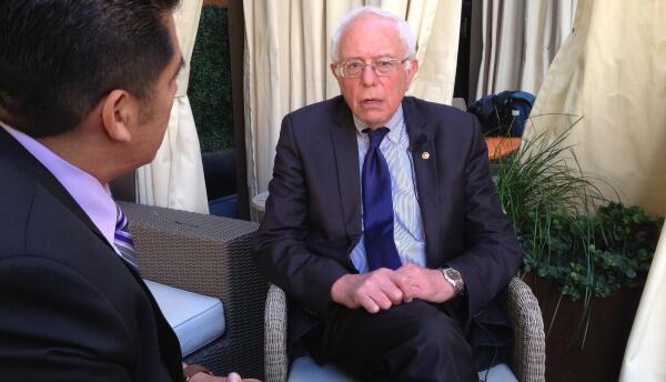 Bernie Sanders en entrevista para Univision Los Ángeles.