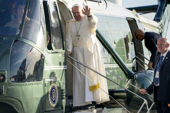 Francisco aborda un helicóptero al llegar a NY.