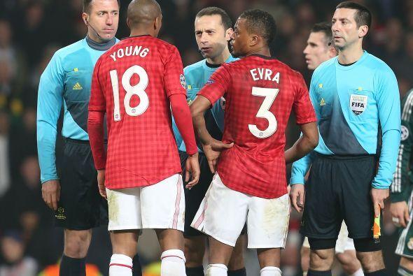 las potestas del Manchester cayeron sobre el árbitro por la expulsión de...