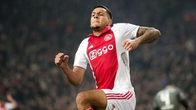 Ricardo Kishna fue el héroe del Ajax al marcar el doblete que le valió l...
