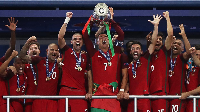 La selección de fútbol de Portugal proclamó campeona de la Euro 2016 tras vencer al anfitrión, Francia, 1-0. Foto: Univisión