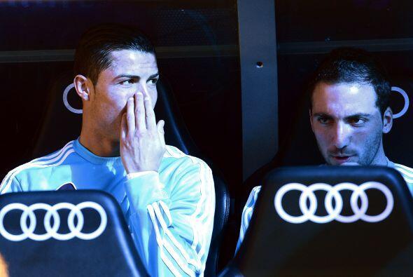 Arrancó con varios jugadores importantes en el banco el Real Madrid. Cri...