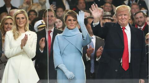 El estilo y la elegancia de Melania e Ivanka Trump las vuelven nuevos íc...