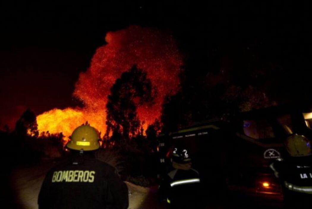 Se prevé extinguir por completo el incendio hasta la próxima semana.