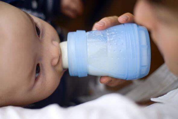 Evita que tu bebé se contagie de VSR: lávate siempre las manos; mantén l...