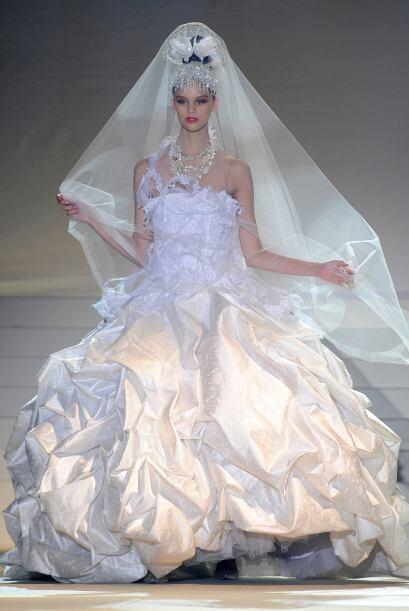 Que tu vestido sea espectacular pero sin exageración, esto incluye el el...