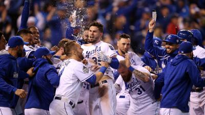 Los Royals vencieron a los Mets 5-4 en 14 innings