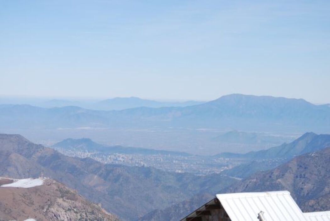 Santiago visto desde el centro de esquí de El Colorado.