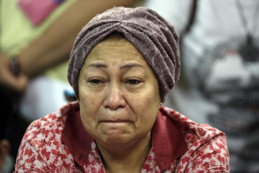 Familiares de los pasajeros del Malaysia Airlines vuelo MH17 que se estr...
