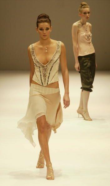 Las faldas 'mullet' con terminaciones en picos fueron otra prenda 'boom'...