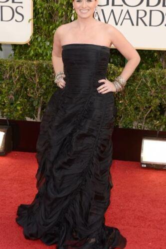 El vestido de Debra Messing era muy bonito, sin embargo, creemos que con...