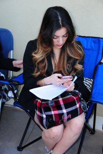 Conéctate con Nuestra Belleza Latina a través de las redes sociales.