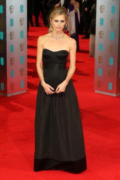 ¿Qué tan sensual y elegante se vió la noche de la entrega Laura Bailey e...