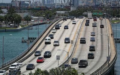 Polémica por anuncio de carriles expresos en autopistas y carreteras de...