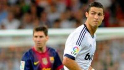 Messi y Ronaldo encabezan el equipo ideal de la UEFA.